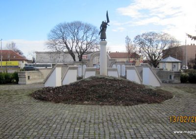 Heves II. világháborús emlékmű 2019.02.13. küldő-kalyhas (14)