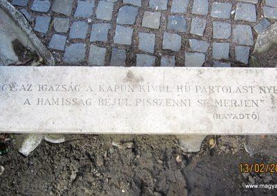 Heves II. világháborús emlékmű 2019.02.13. küldő-kalyhas (2)