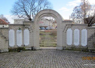 Heves II. világháborús emlékmű 2019.02.13. küldő-kalyhas (20)