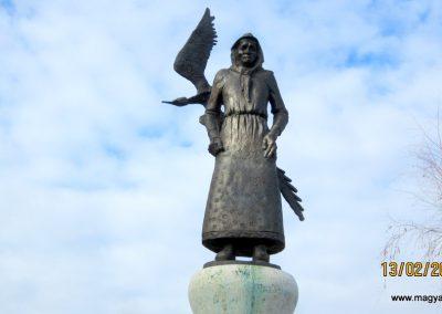 Heves II. világháborús emlékmű 2019.02.13. küldő-kalyhas (4)