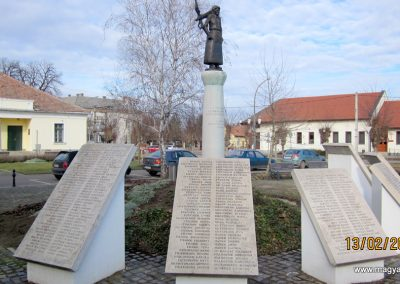 Heves II. világháborús emlékmű 2019.02.13. küldő-kalyhas (6)