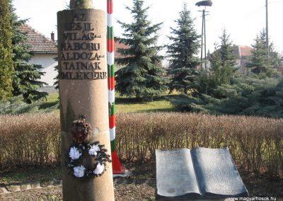 Hevesvezekény világháborús emlékmű 2008.02.25.küldő-Kályhás (2)