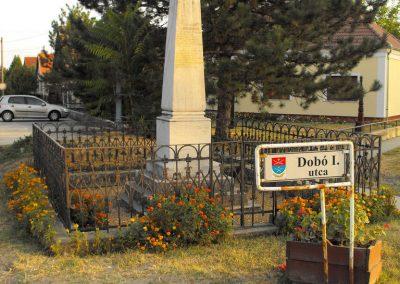 Hobol világháborús emlékmű 2012.08.01. küldő-KRySz