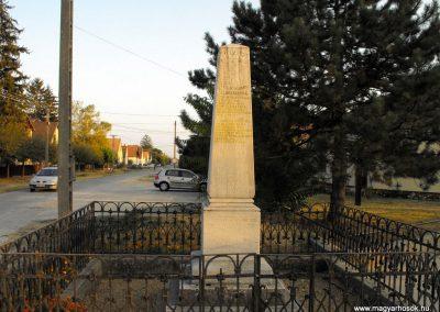 Hobol világháborús emlékmű 2012.08.01. küldő-KRySz (6)