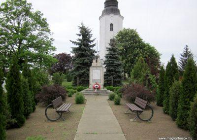 Hodász világháborús emlékmű 2014.04.25. küldő-kalyhas (1)
