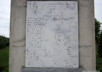 Hodász világháborús emlékmű 2014.04.25. küldő-kalyhas (5)