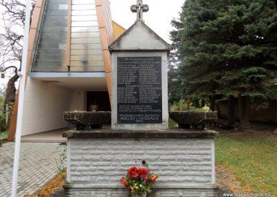 Hollád II. világháborús emlékmű 2014.10.25. küldő-kalyhas (1)