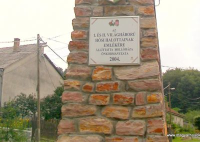 Hollóháza világháborús emlékmű 2005.07.15. küldő-Bem apó (1)