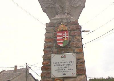 Hollóháza világháborús emlékmű 2005.07.15.küldő-Bem apó (1)