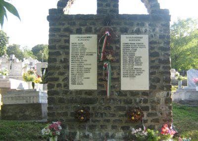 Hollókő világháborús emlékmű 2008.08.18. küldő-Mónika39