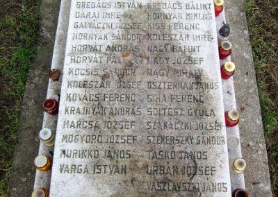 Homrogd világháborús emlékmű 2014.02.15. küldő-kalyhas (2)