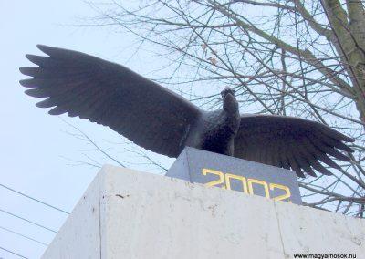 Hontfüzesgyarmat világháborús emlékmű 2008.12.05. küldő-Pfaff László, Rétság (1)