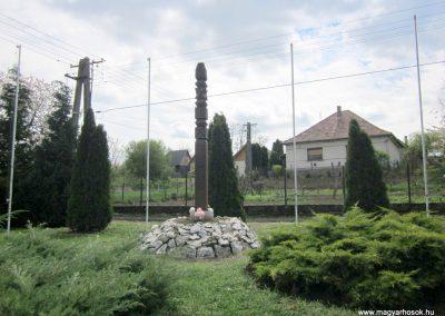 Horpács világháborús emlékmű 2012.04.25. küldő-kalyhas (1)