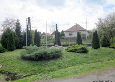 Horpács világháborús emlékmű 2012.04.25. küldő-kalyhas