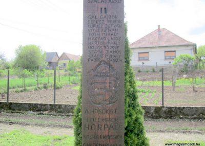 Horpács világháborús emlékmű 2012.04.25. küldő-kalyhas (5)