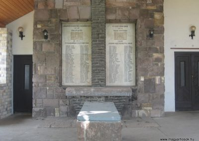 Hort világháborús emlékhely 2008.05.26.küldő-Kályhás (1)