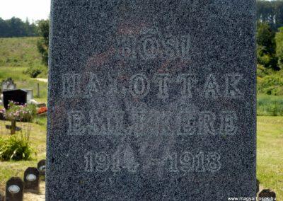 Horvátkút I.vh emlékmű katonasírokkal 2010.08.12. küldő-Sümec (2)