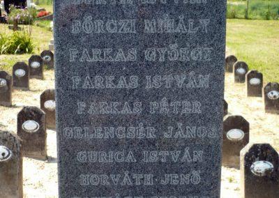 Horvátkút I.vh emlékmű katonasírokkal 2010.08.12. küldő-Sümec (3)