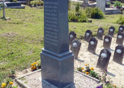 Horvátkút I.vh emlékmű katonasírokkal 2010.08.12. küldő-Sümec
