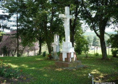 Horvátkút II.vh emlékmű 2010.08.12. küldő-Sümec (2)