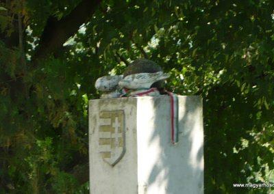 Horvátkút II.vh emlékmű 2010.08.12. küldő-Sümec (5)