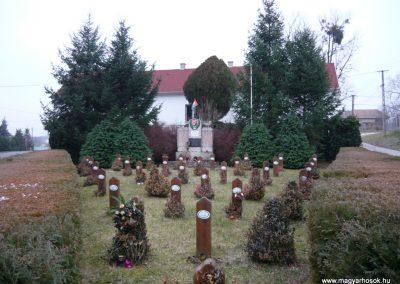 Hosszuvölgy világháborús emlékmű 2009.01.01.küldő-Sümec