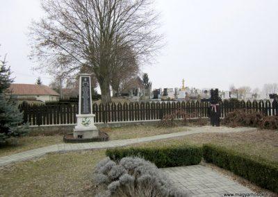 Hugyag világháborús emlékmű 2012.03.08. küldő-kalyhas (2)