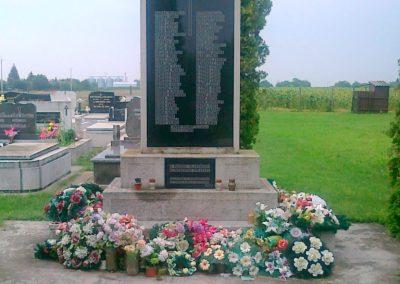 Hunya II.vh emlékmű 2010.08.02. küldő-Csiszár Lehel