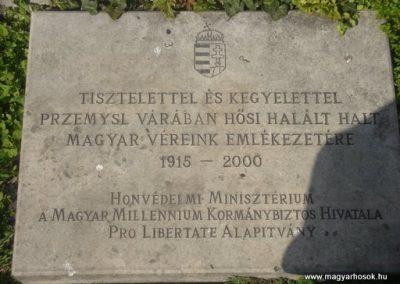 II. kerület Margit híd-budai hídfő I.vh emlékmű 2008.04.02.küldő-Huszár Peti (3)