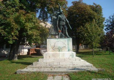 II. kerület Pesthidegkút világháborús emlékmű 2008.10.09. küldő-Huszár Peti (1)