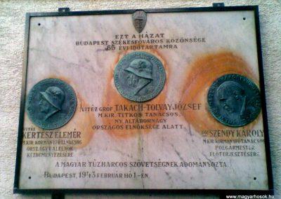 III. kerület Óbuda Attila u.20. Egy érdekes,világháborúkhoz köthető emléktábla 2011.12.14. küldő-Huszár Peti (1)