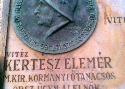 III. kerület Óbuda Attila u.20. Egy érdekes,világháborúkhoz köthető emléktábla 2011.12.14. küldő-Huszár Peti (3)