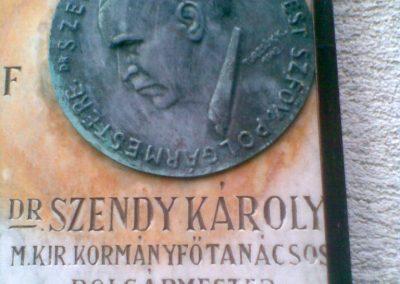 III. kerület Óbuda Attila u.20. Egy érdekes,világháborúkhoz köthető emléktábla 2011.12.14. küldő-Huszár Peti (4)