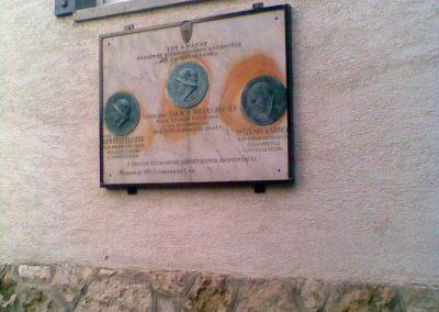 III. kerület Óbuda Attila u.20. Egy érdekes,világháborúkhoz köthető emléktábla 2011.12.14. küldő-Huszár Peti