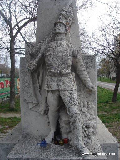 III. kerület Békásmegyer-ófalu Hősi emlékmű 2008.04.03.küldő-Huszár Peti (2)