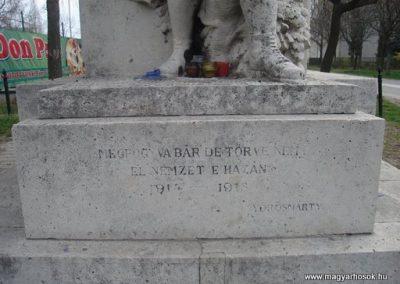 III. kerület Békásmegyer-ófalu Hősi emlékmű 2008.04.03.küldő-Huszár Peti (3)