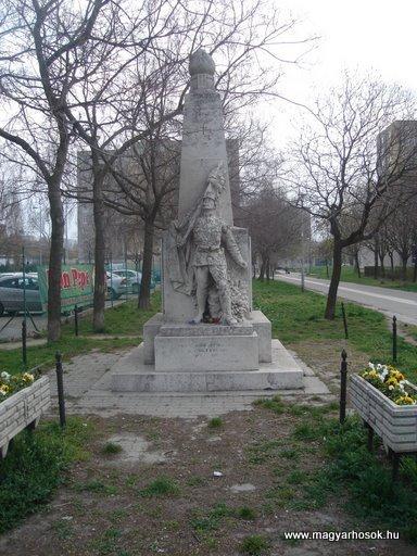 III. kerület Békásmegyer-ófalu Hősi emlékmű 2008.04.03.küldő-Huszár Peti