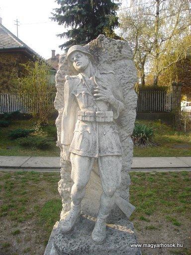 III. kerület Csillaghegy Világháborús emlékmű 2008.04.03.küldő-Huszár Peti (1)