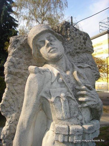 III. kerület Csillaghegy Világháborús emlékmű 2008.04.03.küldő-Huszár Peti (2)