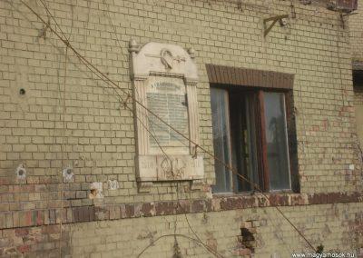 III. kerület Vörösvári úti Bkv remíz I. világháborús emléktábla 2008.10.20. küldő-Huszár Peti (1)