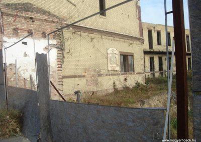 III. kerület Vörösvári úti Bkv remíz I. világháborús emléktábla 2008.10.20. küldő-Huszár Peti
