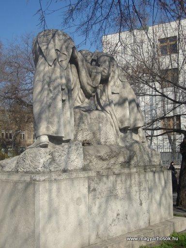 IX. kerület Üllői út Hadiorvosok emlékműve 2008.04.02. küldő-Huszár Peti (3)