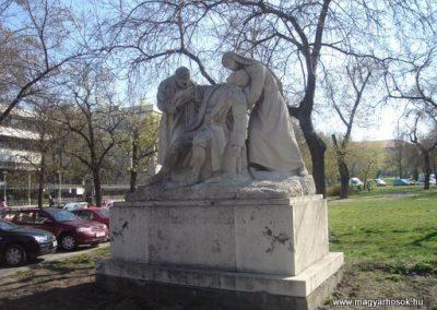 IX. kerület Üllői út Hadiorvosok emlékműve 2008.04.02. küldő-Huszár Peti
