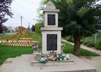 Igar II.világháborús emlékmű 2007.08.21. küldő-Hunmi (3)