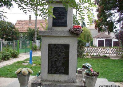 Igar II.világháborús emlékmű 2007.08.21. küldő-Hunmi (9)