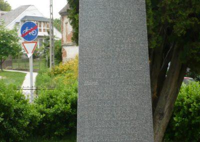 Iharosberény II.vh emlékmű 2009.04.28.küldő-Sümec (1)
