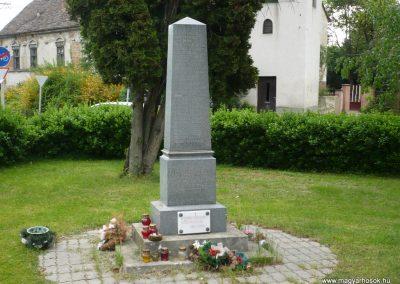 Iharosberény II.vh emlékmű 2009.04.28.küldő-Sümec