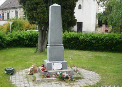 Iharosberény II.vh emlékmű 2009.04.28.küldő-Sümec (5)