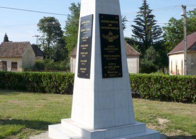 Iharosberény világháborús pilóta emlékmű 2012.06.28. küldő-Sümec (1)