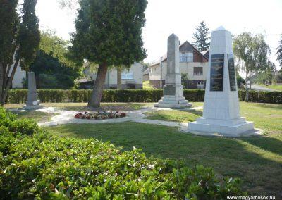 Iharosberény világháborús pilóta emlékmű 2012.06.28. küldő-Sümec